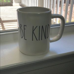 RAE DUNN 'BE KIND' MUG. BRAND NEW.